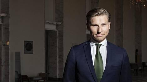 Kansanedustaja Antti Häkkänen kritisoi hallitusta aikailussa terrorismilainsäädännön kanssa.