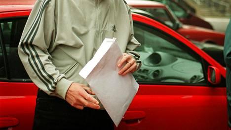 Auton hankkiminen ulkomailta johti syytteeseen, joka lopulta kaatui.