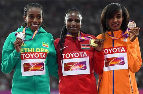 Almaz Ayana otti hopeaa, Hellen Onsando Obiri kultaa ja Sifan Hassan pronssia.