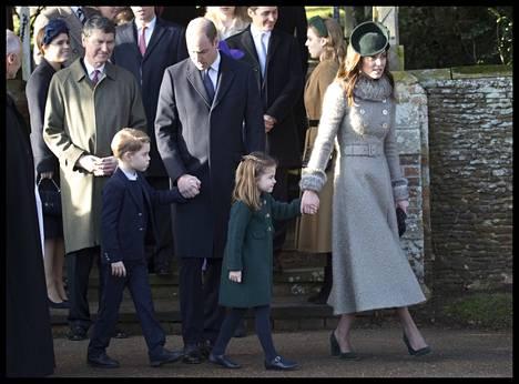Kuninkaallinen perhe vietti vuonna 2019 jouluaan Sandringhamissa.