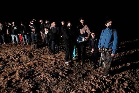 Siirtolaisia saapui rajan yli Valko-Venäjältä Latviaan elokuussa.