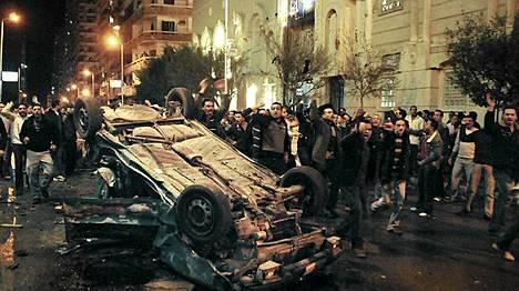 Uutenavuotena tehdyssä iskussa koptikirkkoa vastaan sai surmansa 21 ihmistä.