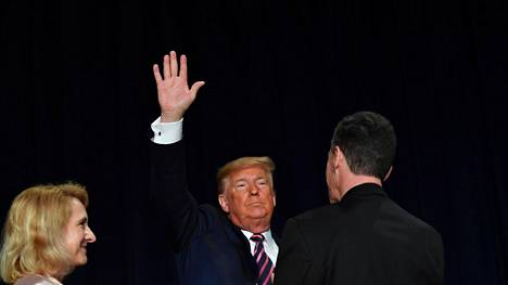 Yhdysvaltain presidentti Donald Trump sanoi torstaina kärsineensä valtavia koettelemuksia virkarikostutkinnan aikana.