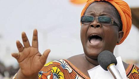 Togon oppositiojohtaja Isabelle Ameganvi kutsui lauantaina maan naisia osallistumaan viikon mittaiseen seksilakkoon, jonka on määrä alkaa maanantaina.