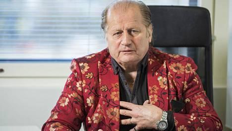 Juhani Tamminen täyttää 70 vuotta tiistaina 26. toukokuuta. Tamminen työskentelee tällä hetkellä kirjaprojektin kimpussa.