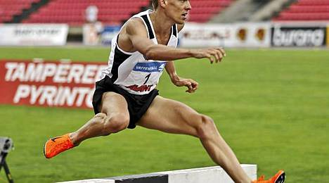 Jukka Keskisalo juoksee perjantaina Pariisissa.