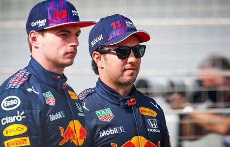 Niki Juusela uskoo Red Bullin kykyihin haastaa Mercedes. Kuvassa Red Bullin kuskit Max Verstappen (vas.) ja Racing Pointilla viime kauden ajanut Sergio Perez.