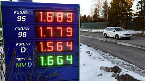 Huhtikuussa polttoaineiden hinnat nousivat selvästi vuodentakaisesta.