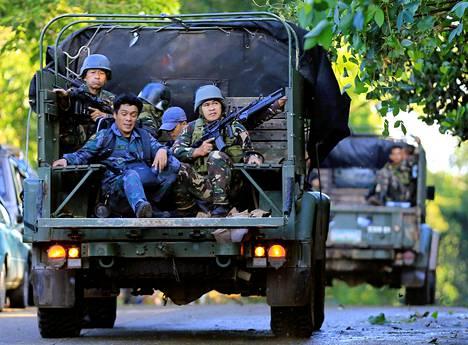 Hallituksen sotilaat partioivat Marawin kaduilla perjantaina.