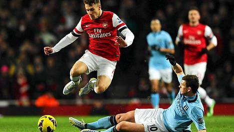 Arsenal ja Manchester City kohtaavat elokuussa Helsingin olympiastadionilla.