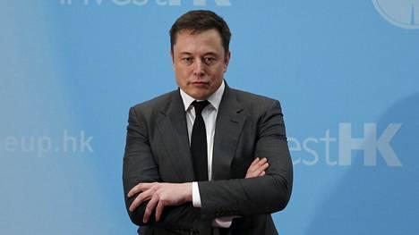 Teslan toimitusjohtaja Elon Musk eroaa Yhdysvaltain presidentin neuvonantajan tehtävästä.