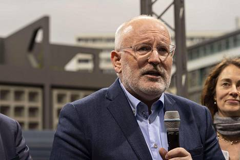Frans Timmermans edustaa EU:n sosiaalidemokraatteja.