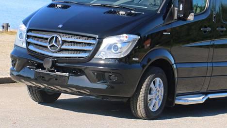 Käytettynä ostetun auton moottori meni rikki varoittamatta kesken ajon. Siitä syntyi riita myyjän ja asiakkaan kesken. Arkistokuva.