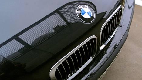 Kolmossarjan BMW:n vaihteisto meni sököksi. Kuluttajariitalautakunta otti kantaa maksukiistassa.
