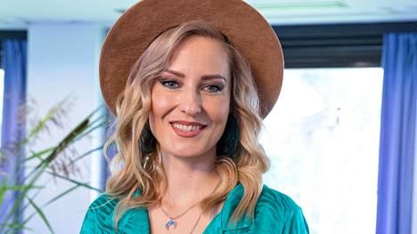 """Mariska halusi vinkata kokemuksestaan tv:ssä, jos """"yksikin saisi apua""""."""
