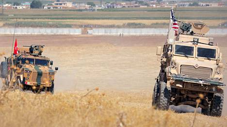 Turkin ja Yhdysvaltojen joukkoja lähellä Tel Abyadia syyskuussa.