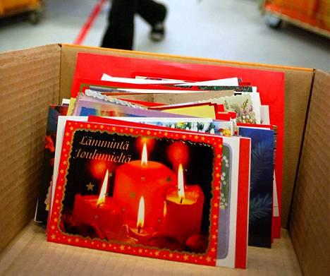 Posti palkkaa taas jättimäärän jouluapulaisia.
