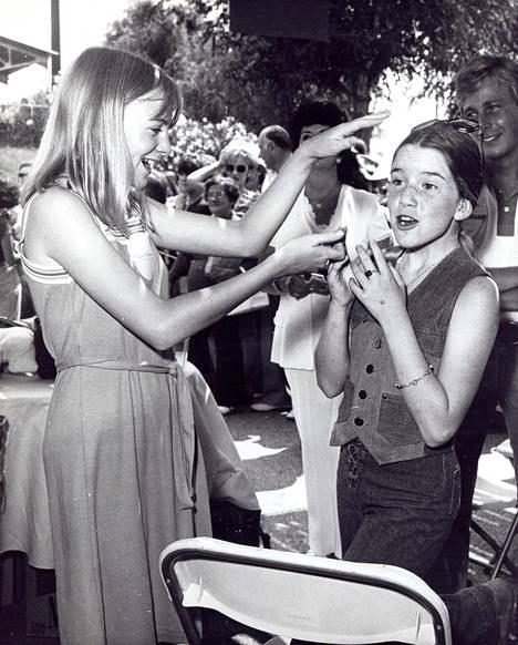 Alison Arngrim ja Melissa Gilbert kuvattuna 70-luvulla.