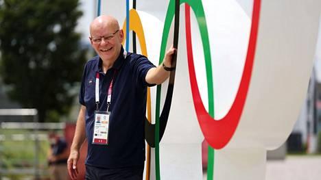 Tuomas Raja työskentelee Ylen tv-lähetysten yleisurheiluasiantuntijana Tokion olympialaisissa.