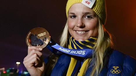 Joulukuussa vakavasti loukkaantunut Anna Holmlund voitti pronssia Sotshin olympialaisissa 2014.