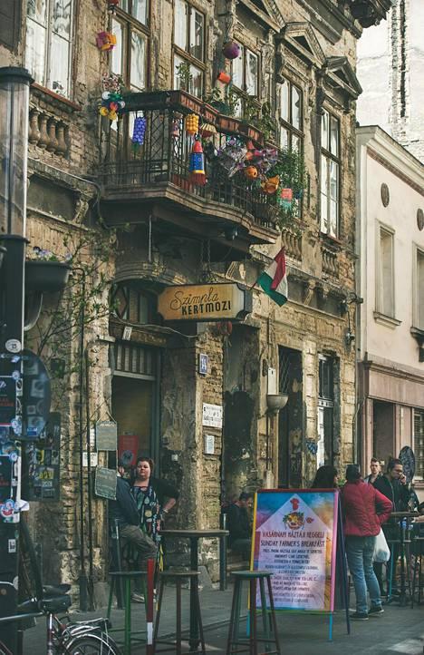 Juutalaiskorttelissa on vintage-liikkeitä, edullisia ravintoloita ja erityistä tunnelmaa.