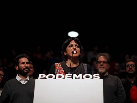 Podemos-puolueen Andalusian-puheenjohtaja Teresa Rodriguez puhui lehdistötilaisuudessa vaalien jälkeen.