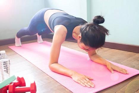 Rentouttava tekeminen auttaa palautumaan. Varo kuitenkin, ettei esimerkiksi liikunta lipsu suorittamisen puolelle.