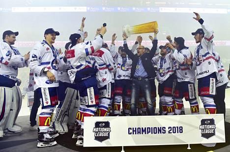 Lauri Korpikoski voitti viime keväänä Sveitsin mestaruuden Zürichin paidassa, mutta juuri puhjenneen suolistosairauden vuoksi kausi kevät meni sumussa.