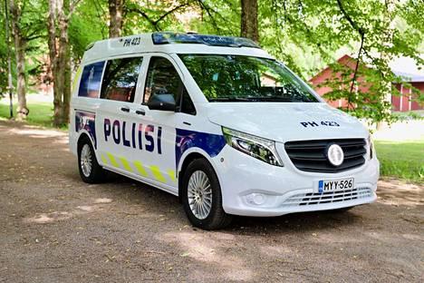 Hämeen poliisilaitos sai ensimmäinen täyssähköisen partioauton keskiviikkona.