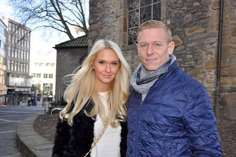 Metti ja Mikael Forssell ovat olleet naimisissa liki vuoden. He avioituivat 9. elokuuta 2014.