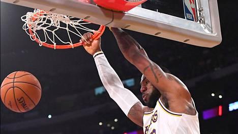 LeBron James ja muut NBA-tähdet saattavat pelata Disney Worldissa.