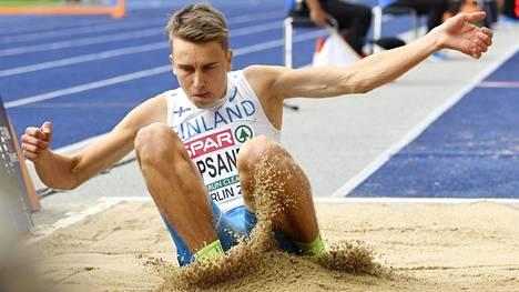 Simo Lipsanen kilpailee sunnuntaina Berliinin EM-kisojen kolmiloikan finaalissa.