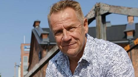 Olli Lindholm kuoli 54-vuotiaana viime helmikuussa.