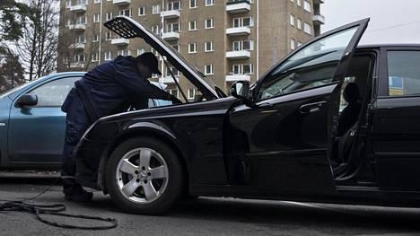 Autojen ajonaikaisten päästöjen valvonta halutaan ulottaa EU:ssa entistä pidemmälle ja syvemmälle.