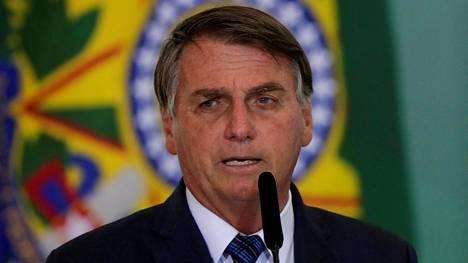 Brasilian presidentti on saanut kovaa kritiikkiä koronavirusepidemian hoidosta.