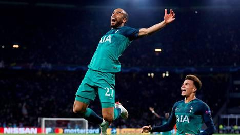 Lucas Moura iski hattutempun Ajaxia vastaan.
