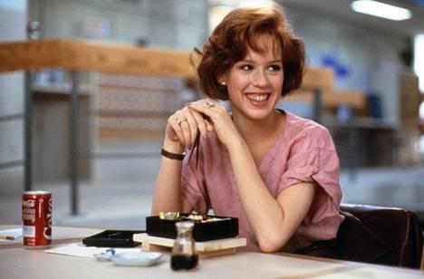 Molly Ringwald vuoden 1985 hittielokuvassa Breakfast Club.