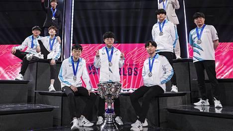DAMWON Gaming juhli maailmanmestaruutta lokakuun viimeisenä päivänä Shanghaissa.