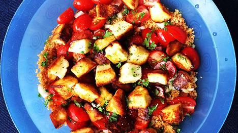 Salaatti sopii rennoksi piknik-ruoaksi tai kesäjuhliin.