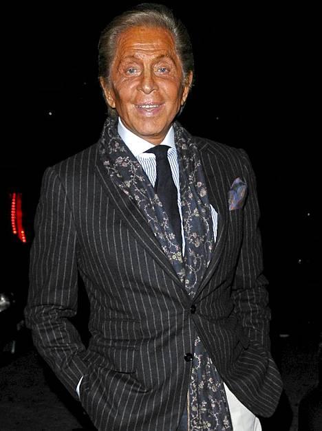 Suunnittelija Valentino säteili New Yorkin yössä.