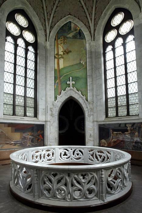 F. A. Juséliuksen kuoleman jälkeen mausoleumi siirtyi hänen perustamansa Sigrid Juséliuksen säätiön hoitoon. 1930–luvulla rakennus restauroitiin, jonka jälkeen se vihittiin uudelleen käyttöön kesäkuussa 1941.