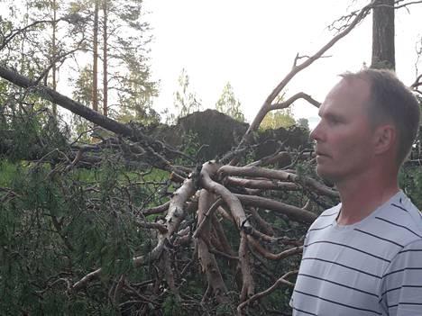 Jukka Heikkinen ei muista nähneensä tällaista ukkosta Kajaanissa.