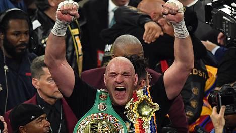 Fury juhli vajaa kuukausi sitten Las Vegasissa voittoa Wilderistä.