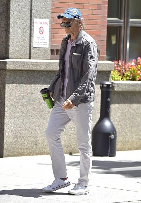 Liam Neeson kuvattiin päiväkävelyllä New Yorkissa viime viikonloppuna. Rähjäinen ja riutunut olemus on hämmästyttänyt näyttelijän faneja.