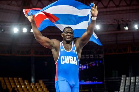 Kuuban Mijain Lopez tavoittelee Tokiossa temppua, joka ei onnistunut edes itseltään Aleksandr Karelinilta: neljättä olympiakultaa putkeen kreikkalais-roomalaisen painin suurimmassa painoluokassa.