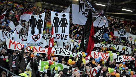 St. Paulin fanit ovat suvaitsevaisuuden puolella.
