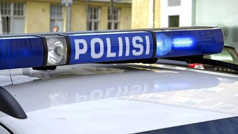 Poliisiauton hälytysvalot Helsingissä 2. kesäkuuta 2015.