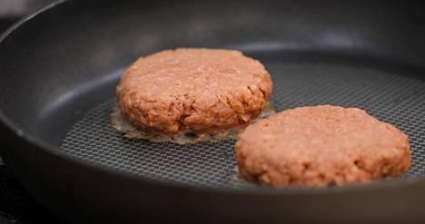 Pihvi voidaan paistaa samalla tavalla kuin liha.