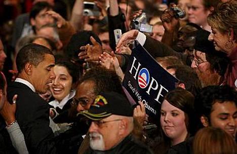 Barack Obama kiitteli kannattajiaan tuesta vaalijuhlassa Iowan pääkaupungissa Des Moinesissa.