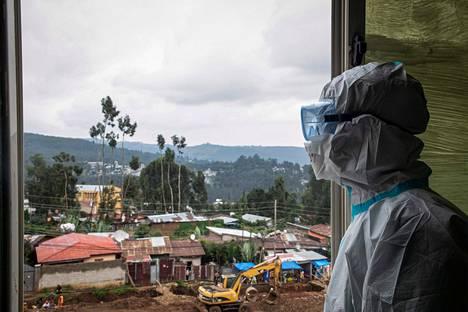 Maailman terveysjärjestö WHO pelkää, että koronapandemia pitkittyy.